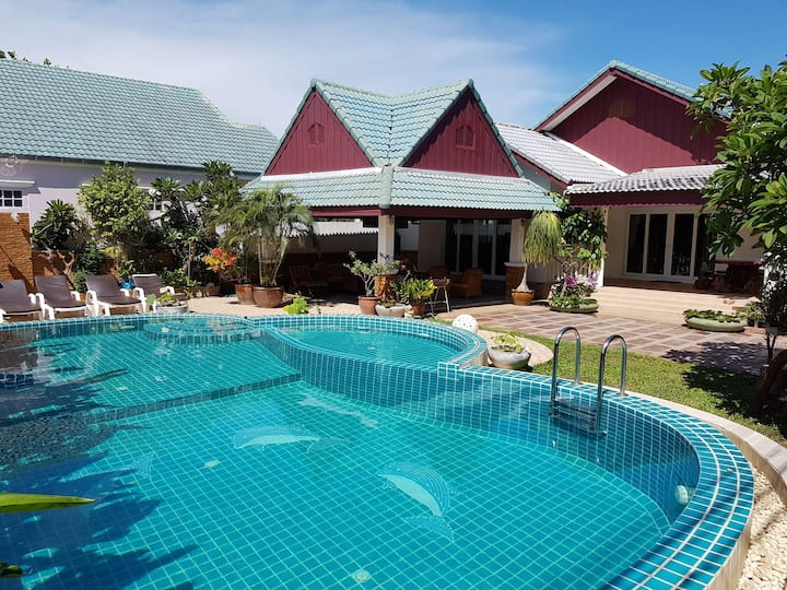 HUA HIN New private salt water pool
