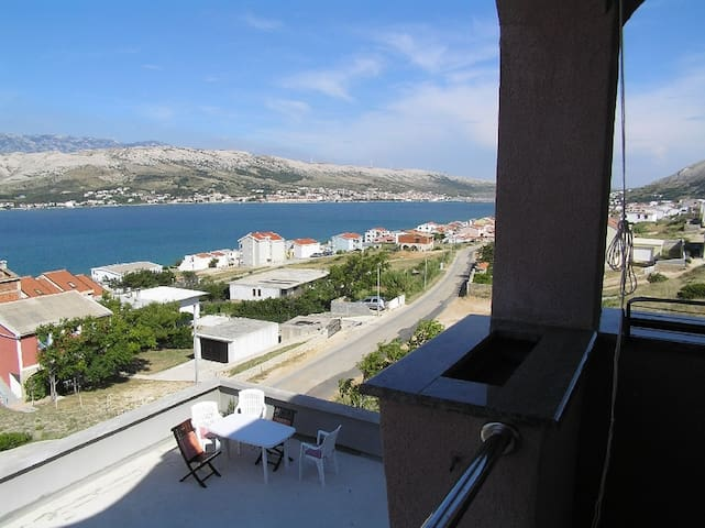 Charming one bedroom apartment in Pag - Pag - Apartamento