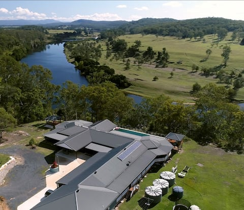 Twin Rivers Retreat ~ homestead & guesthouse