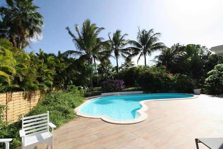 Villa de charme avec piscine pour 6 personnes - GP - Villa