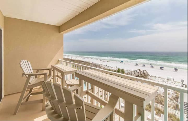 Beautiful Beachfront condo! 2 Bdrm, 2 Bath