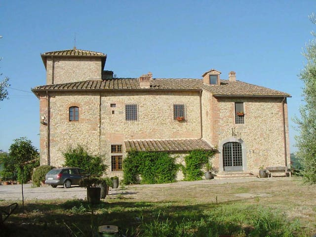EX-CONVENT WITH TOWER OF 1000 - San Casciano in Val di pesa - Appartement