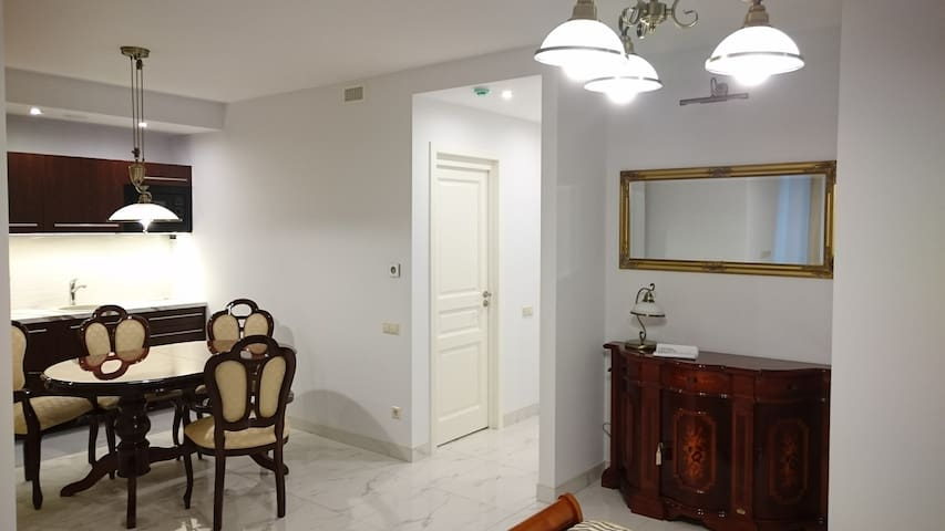 Classic style studio-flat