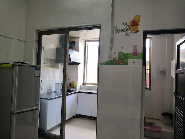 独立的空间,家的感觉,正宗金华江北市中心,离中心医院步行5分钟。