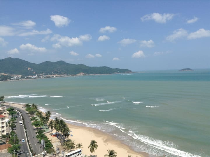 UplazaSeaview modernroom next beach 海景高档公寓近市中心近海滩