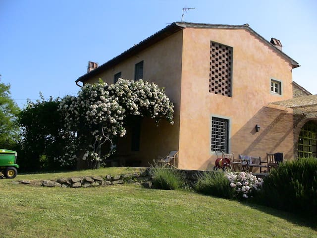 Stunning farmhouse, total seclusion - Lastra a Signa - House