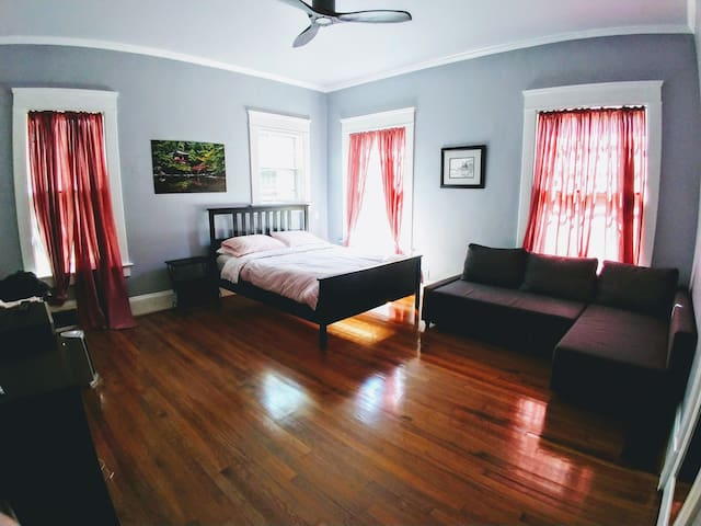 Large Private Bedroom Near Airport, GICC, MARTA
