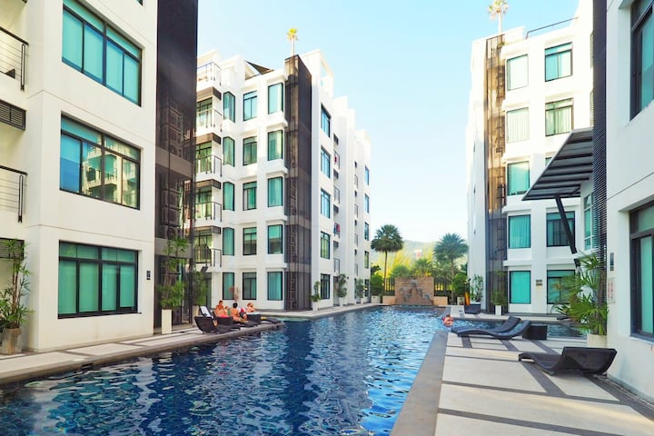 Kamala Regent D302 - Stylish Kamala apartment, pool and gym, walk to beach