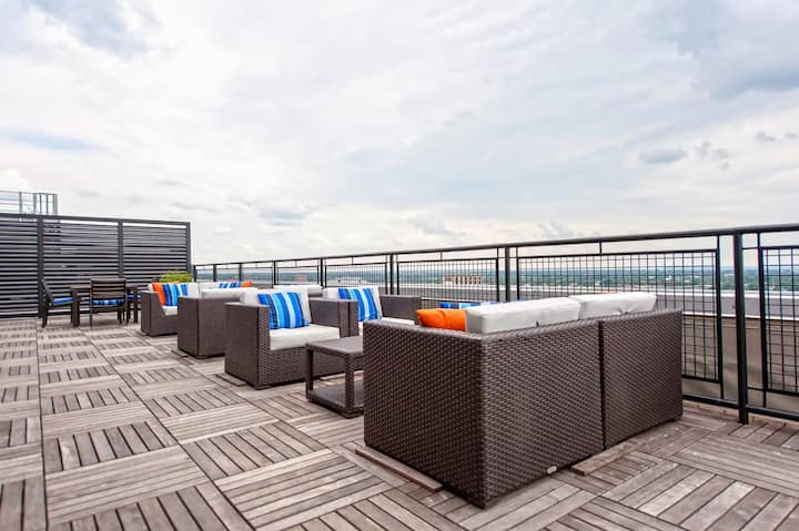 CozySuites -  Stylish apartment in Downtown Louisville