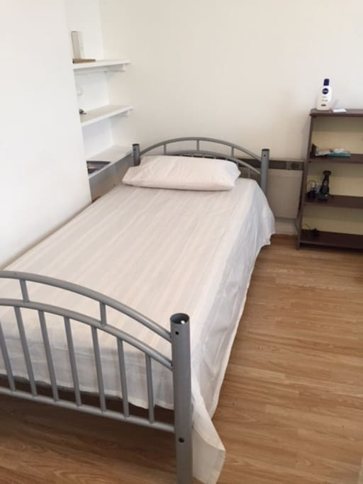single separete bed