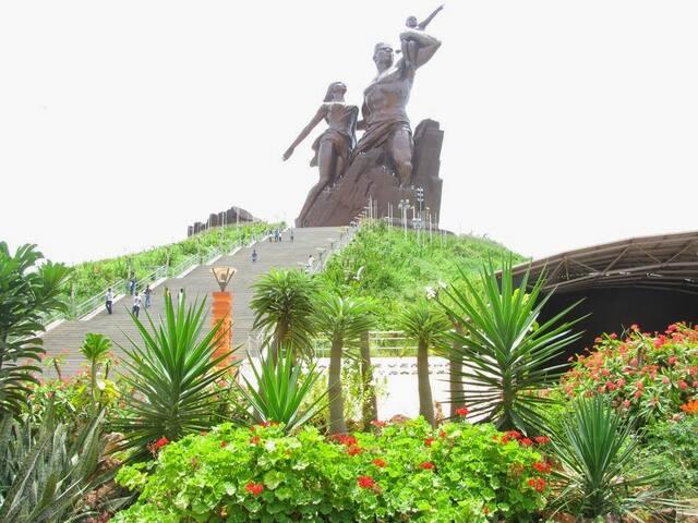 Belle chambre au pied du monument - Dakar - Lejlighed