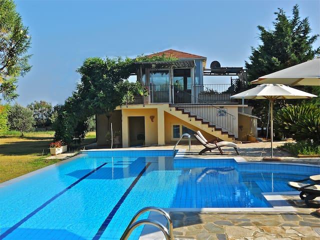 villa3rondini - Skala - House
