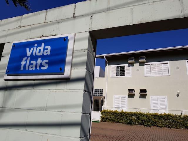 Flat para 2 pessoas no Pq. das Universidades