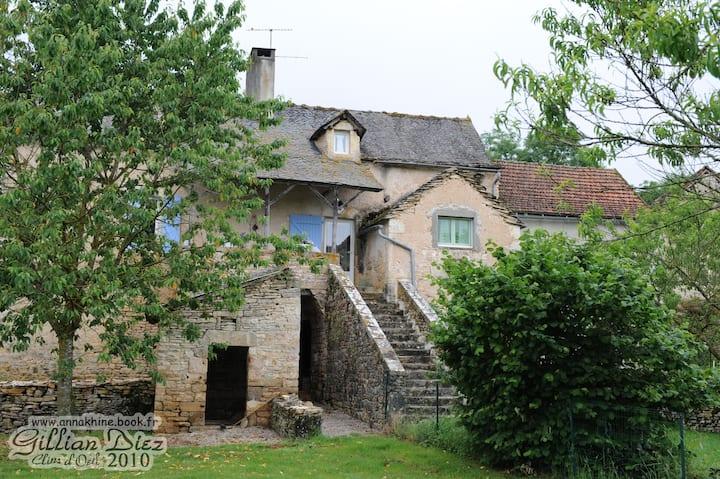 Gîte à la campagne Aveyron piscine
