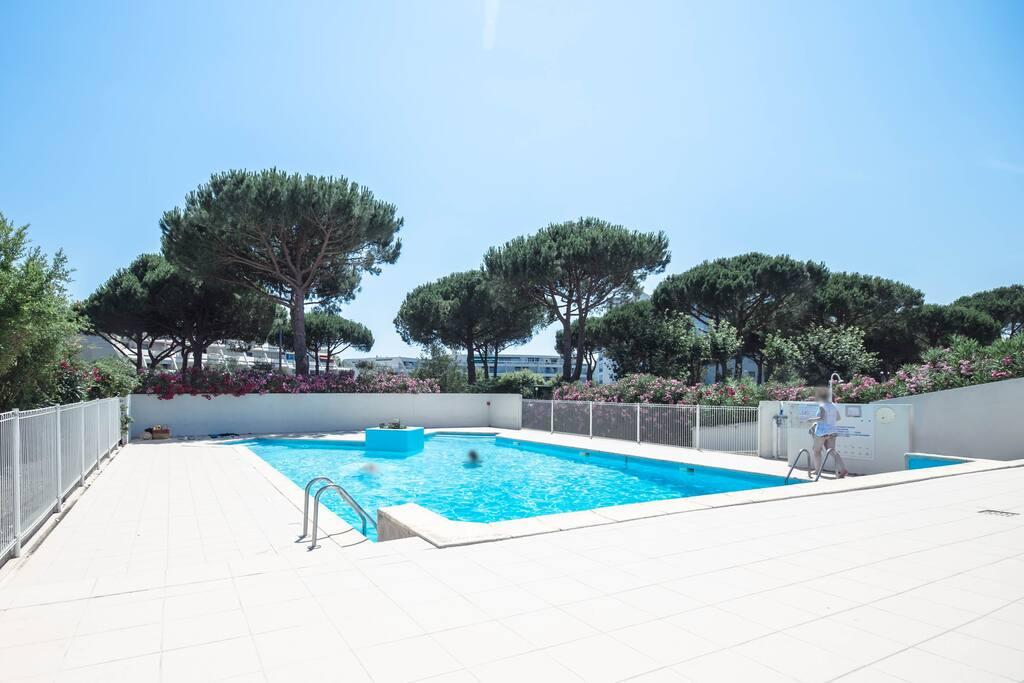 Appt 25m2 plages piscine commerces wifi for Piscine grande motte