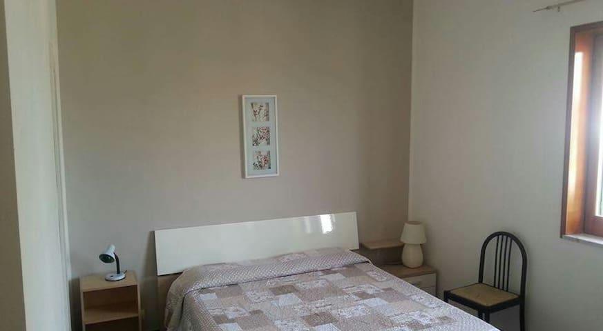camera in villa con bagno privato - มอดิกา - วิลล่า