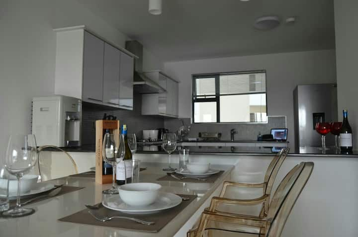 Exclusive , modern apartment tastefully furnished