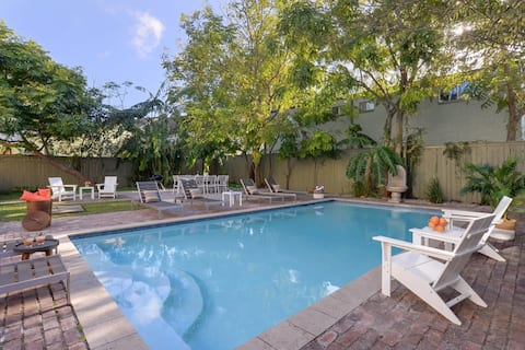 Stayloom's Palatial Estate | Pool, near FQ