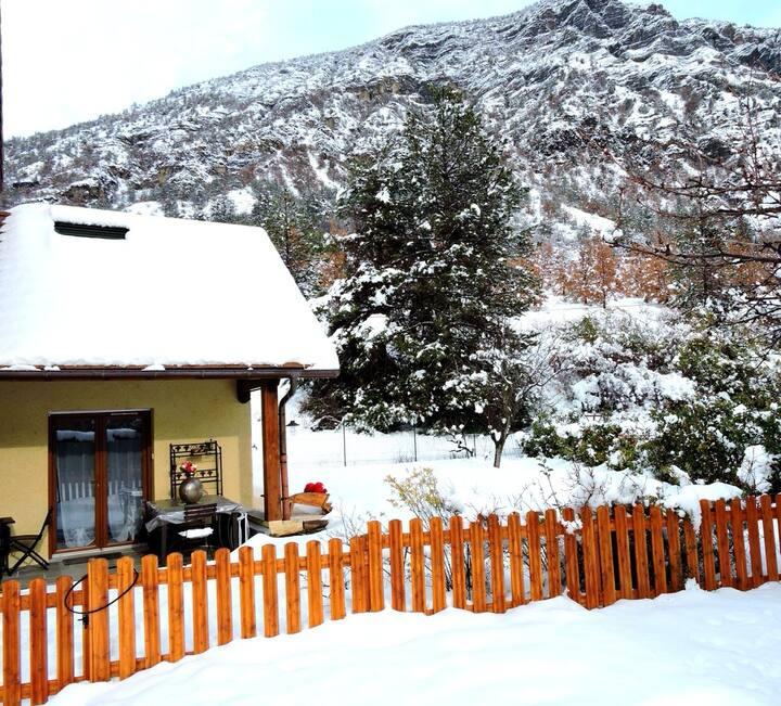 Gite Beau soleil/prox/lac/randos/ski/luges à dispo