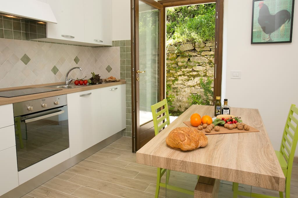 Very well equipped modern kitchen