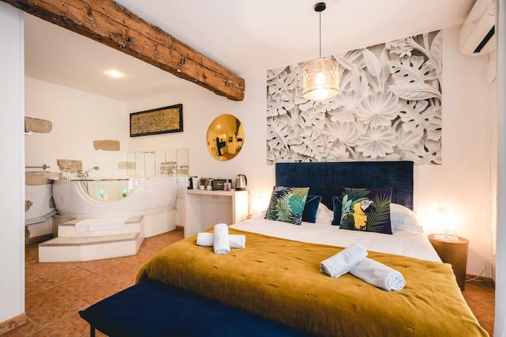 ⭐Suite Romantic & JACCUZI⭐ Palais des Papes ⭐2NUITS-12% ⭐Les Précieuses Suites & Spa Avignon ⭐Kitchenette