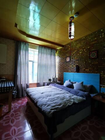 拉萨布达拉宫那里民宿格子控阳光大床房205(独卫)