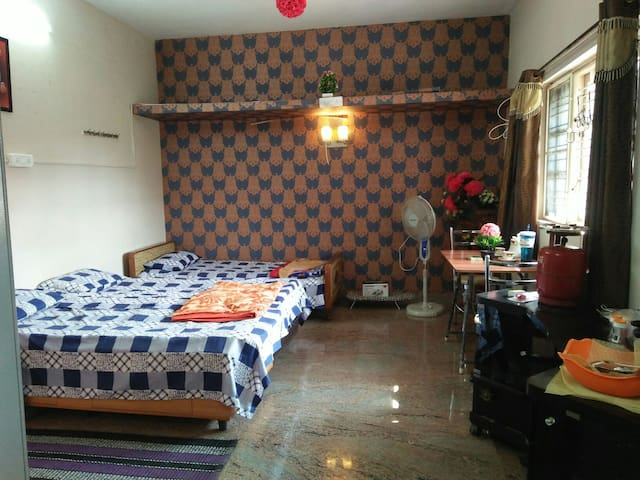 Aadhya, s  family Pvt room near GKVK/NCBS