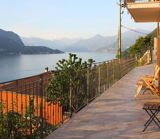 Apartment Giulio - Lezzeno - Casa