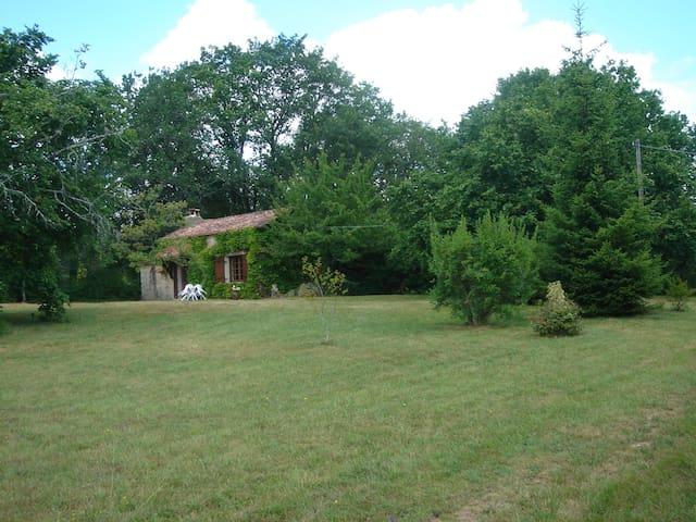 Gîte de charme en Dordogne - Queyssac - Huis