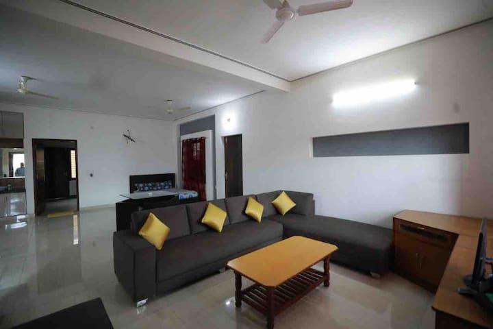 Contemporary flat, modern facilities-Sadeep's home