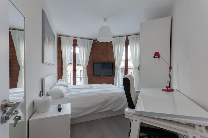 Casa de Lujo rústico - Madrid - Apto. en complejo residencial