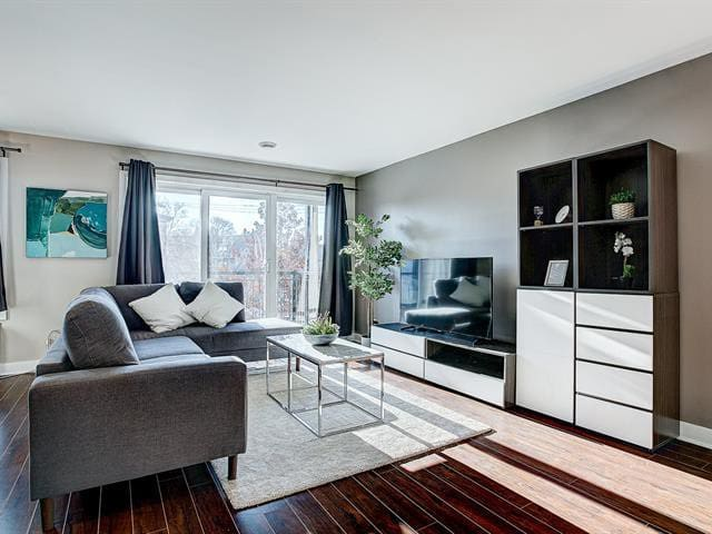 Cozy 1 BDR condo in the heart of Montreal