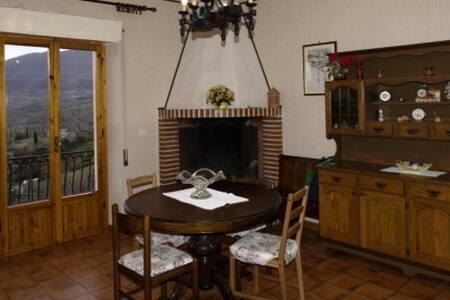 Intero appartamento con vista a Scandriglia