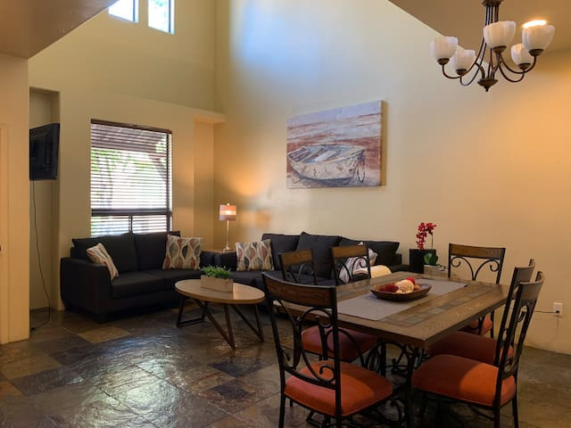 Cozy Spacious Condo in North Central Tucson