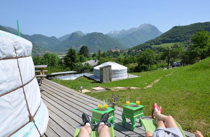 Yourte ALTAI: Vacances insolites proche Annecy(74)
