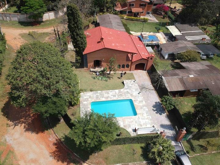 Linda Casa em Condomínio Fechado em Mairiporã