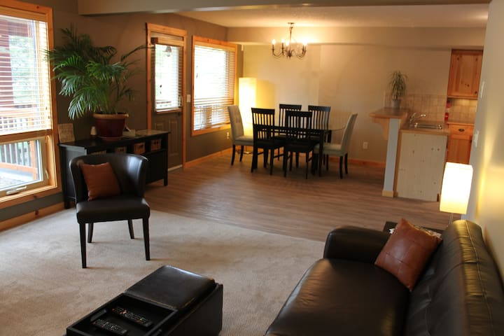 Beautiful Suite in Three Sisters - Canmore