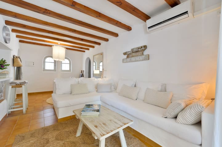 Charming apartment - S'Argamassa (Santa Eulàlia) - Appartement
