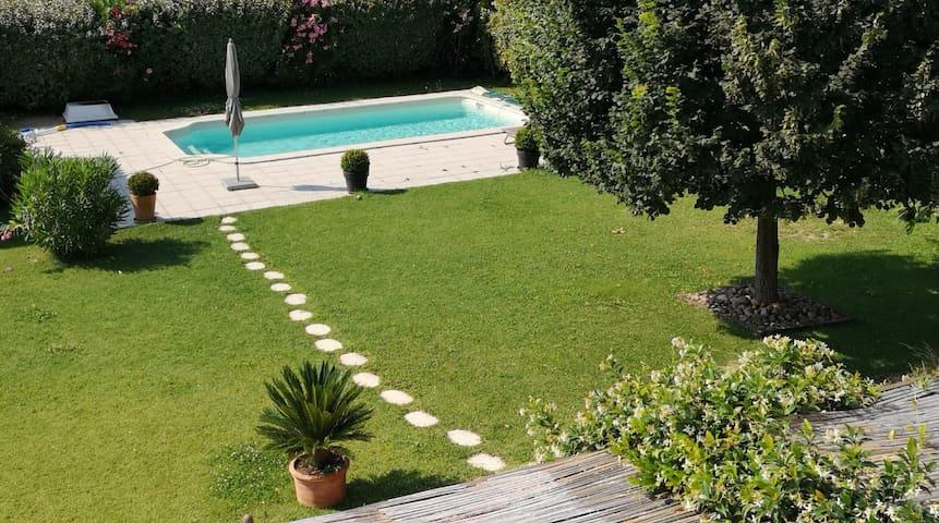 Villa Provençale avec Piscine et terrain clos