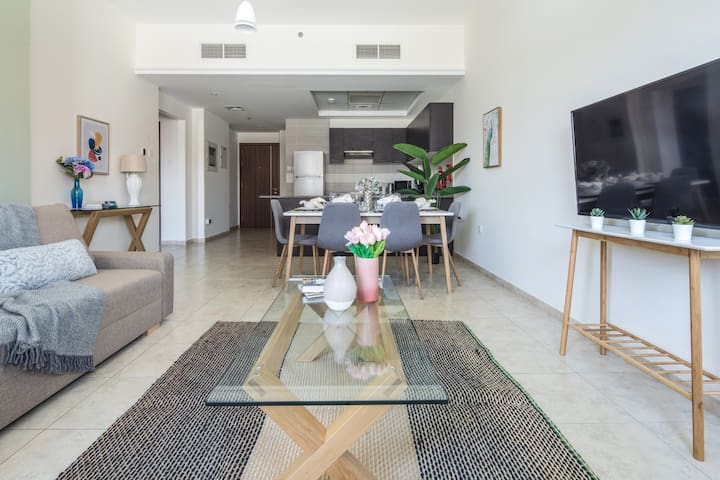 Affordable Luxury 2BR in the Heart of JVT!