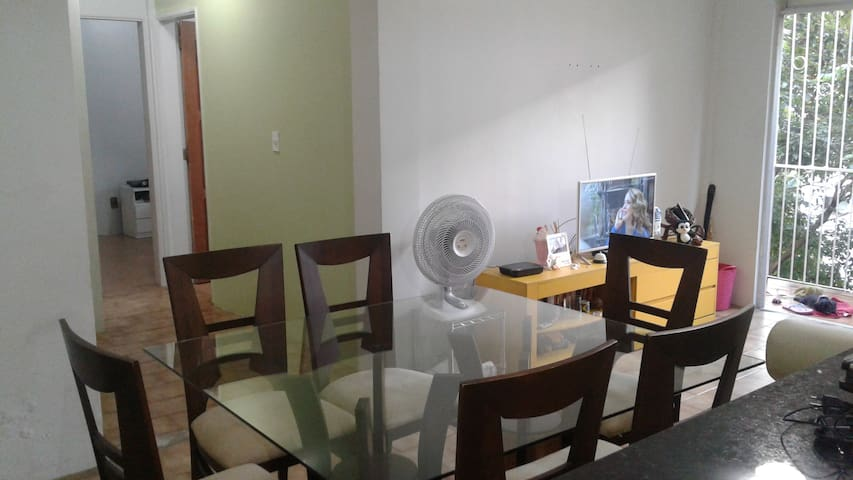 Quarto em apartamento calmo e bem localizado - Manaus - Lägenhet