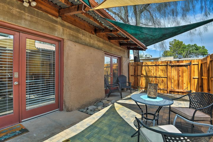 Elegant Apt w/ Pool Access - Downtown Tucson 5 Mi!
