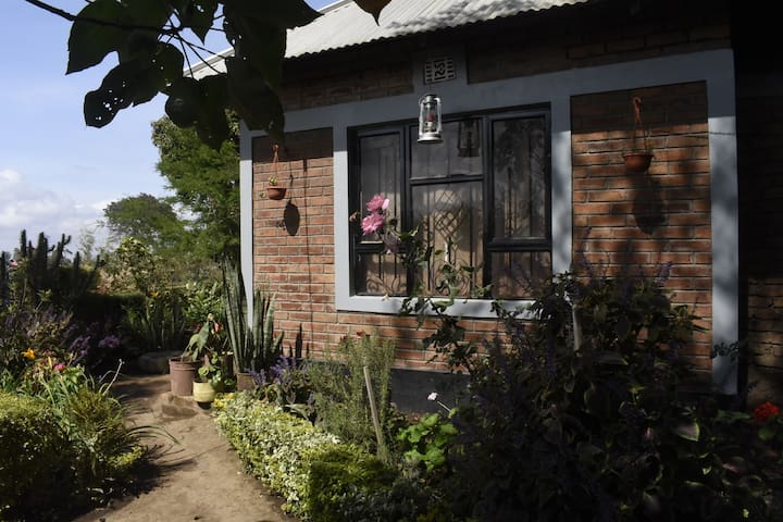 Eco-farm cottage