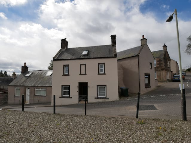 Alyth Perthshire Rural Town Weekend Get a way - Alyth - บ้าน