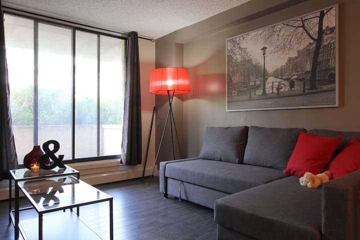 Chic DT Condo by Stampede/BMO Center/Saddledome! - Calgary - Lägenhet