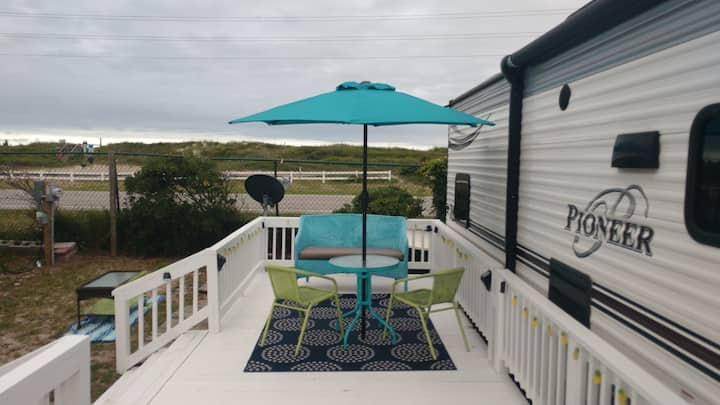Beach Camper/Topsail/ Sleeps 6 / Fully Furnished