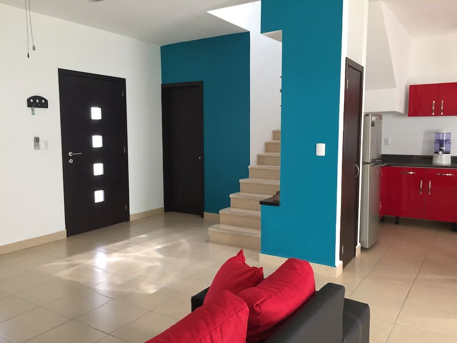 Beauty house in exclusive & private zone, security, near to the mall and walmart. Ubicación privada, exclusiva, cerca de plaza comercial y Walmart