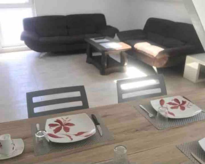Location appartement 3 chambres, salon, cuisine
