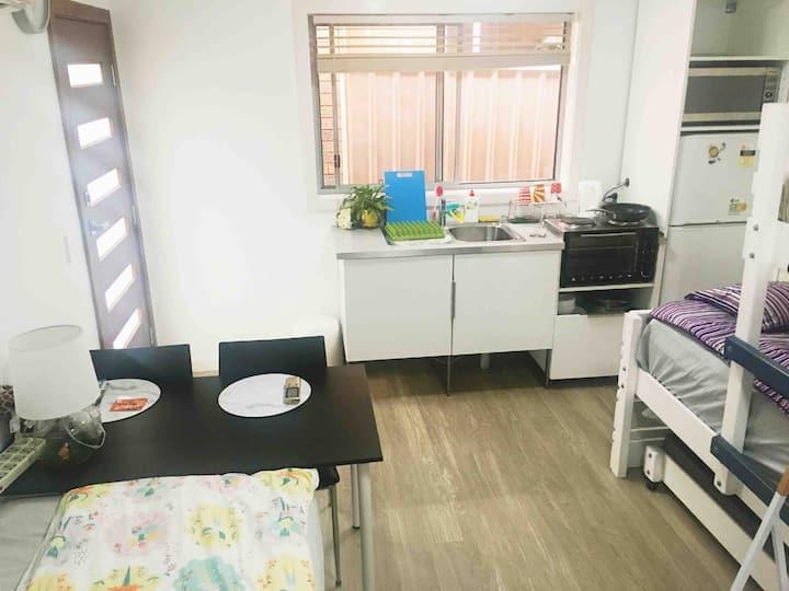 ❤Airport❤Aircon Studio Private  Entry Bath&Kitchen