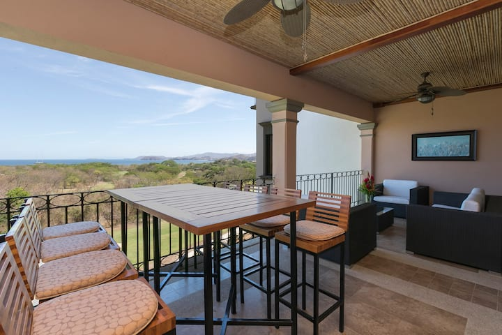 Luxury Penthouse Ocean View Reserva Conchal A19